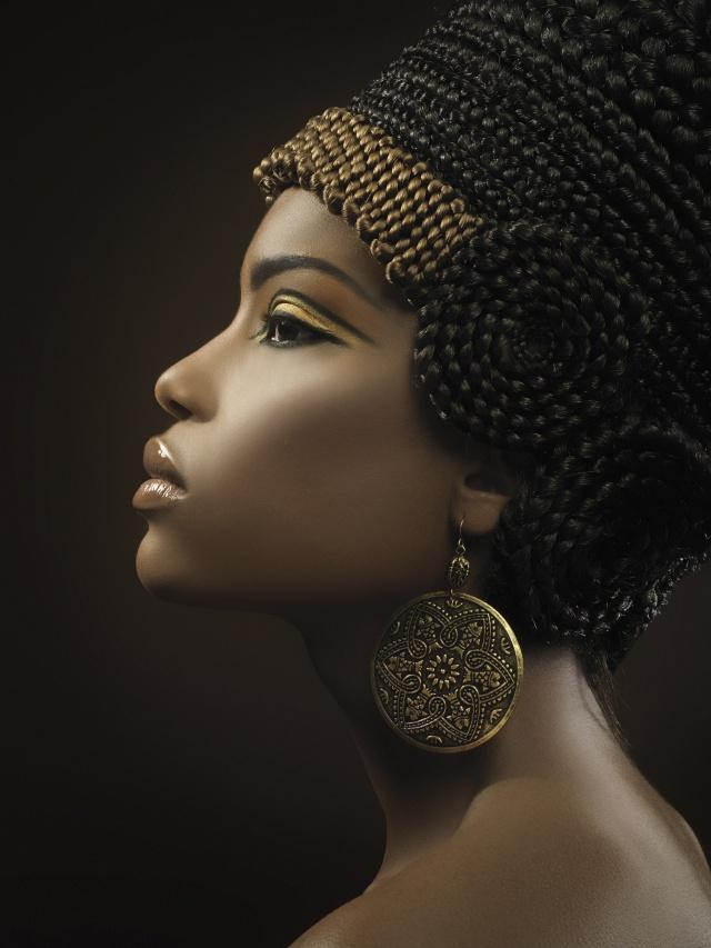 Rika as Queen Tiye